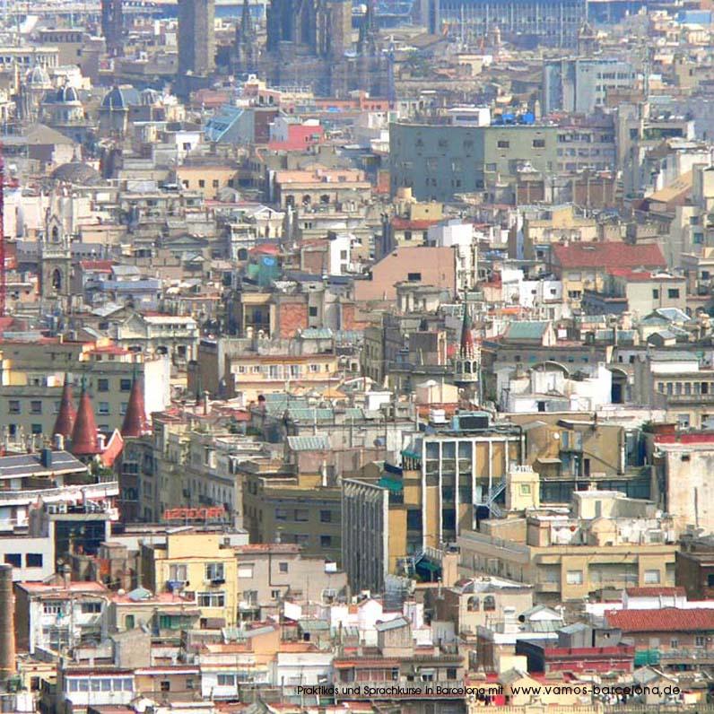 wohnen in barcelona blick auf die stadtteile dreta de l eixample und barri gotic geballte. Black Bedroom Furniture Sets. Home Design Ideas